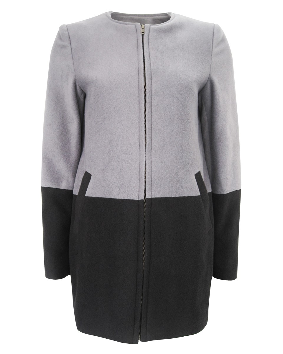f_t_round_neck_constrast_grey_black_coat_wb
